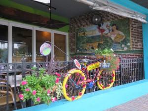 Casa Tina est un restaurant mexicain branché situé sur Main Street à Dunedin.