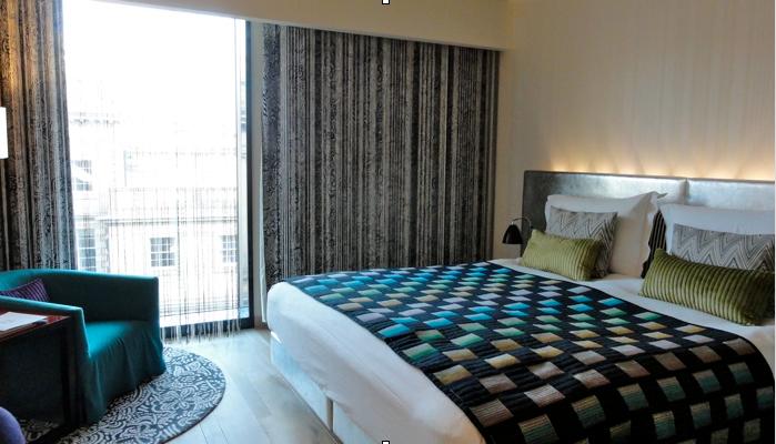 Le G&V Royal Mile Hotel Edinburgh a été conçu par la maison italienne Missoni, réputée pour ses tricots et motifs colorés.