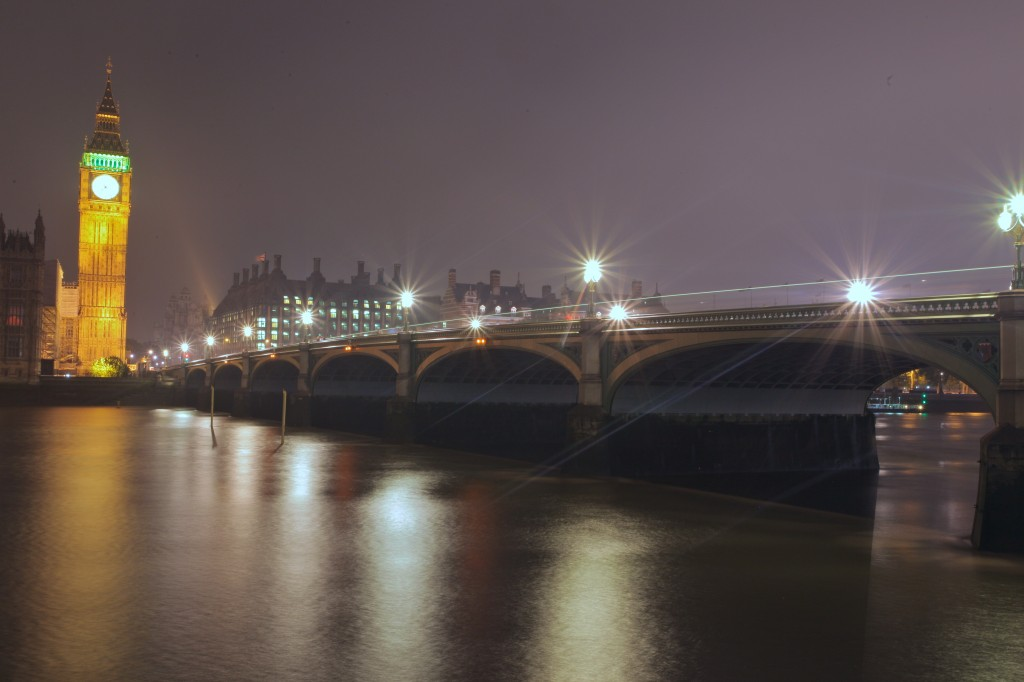 2_London-at-night-1024x682
