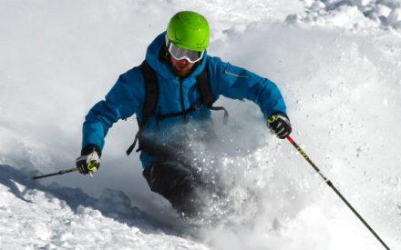 Quatre champions canadiens nous font découvrir les plus beaux endroits pour apprendre à skier