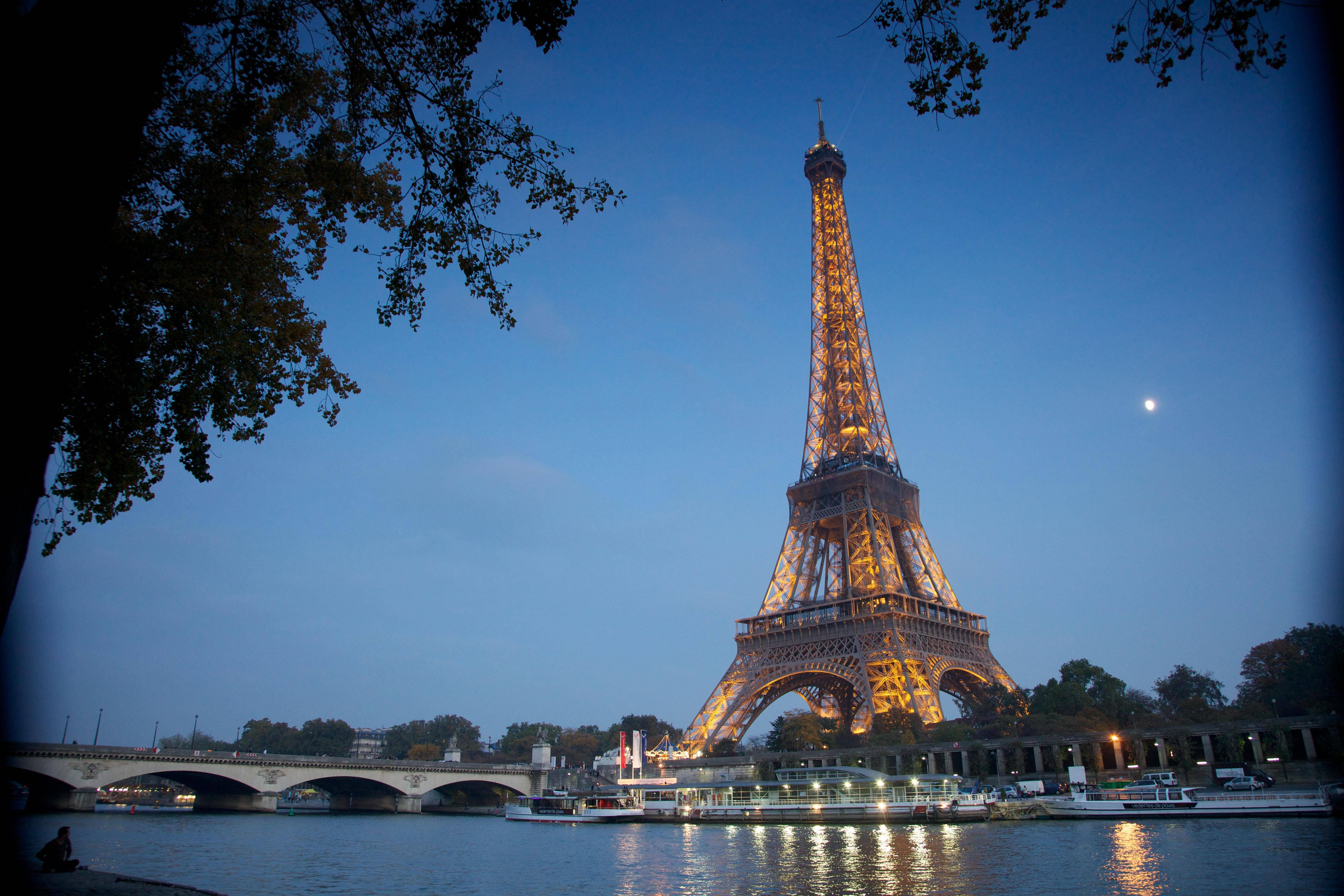 best places to go out at night in paris expedia ca