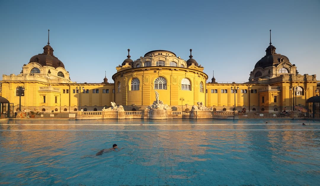 4 Must-Do Things in Budapest