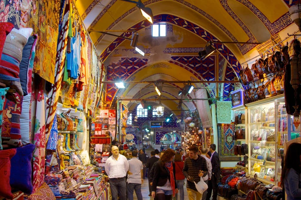 Shopping in the Grand Bazaar, Istanbul