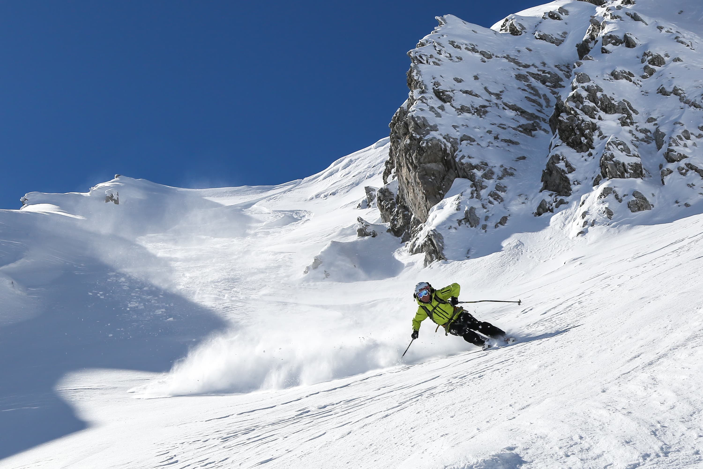 Top Ski Destinations Around the World