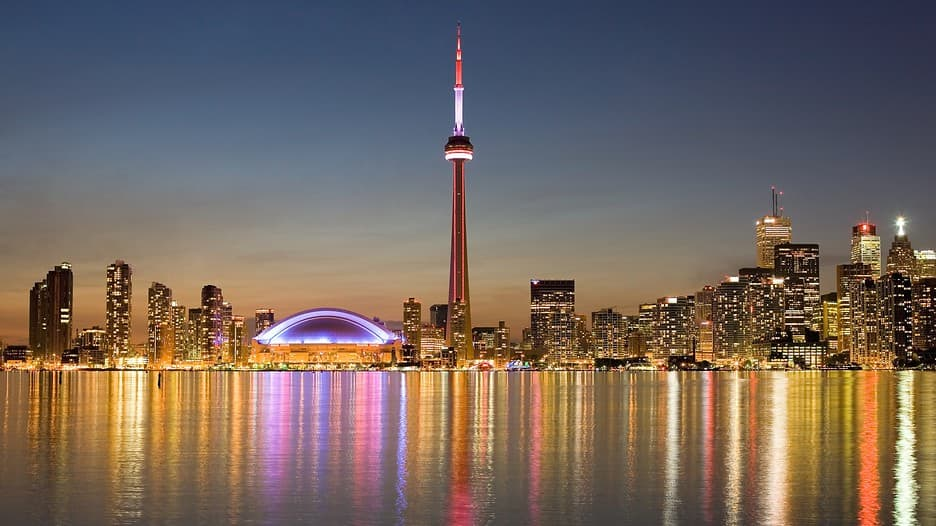 nightlife Cn-Tower-51752