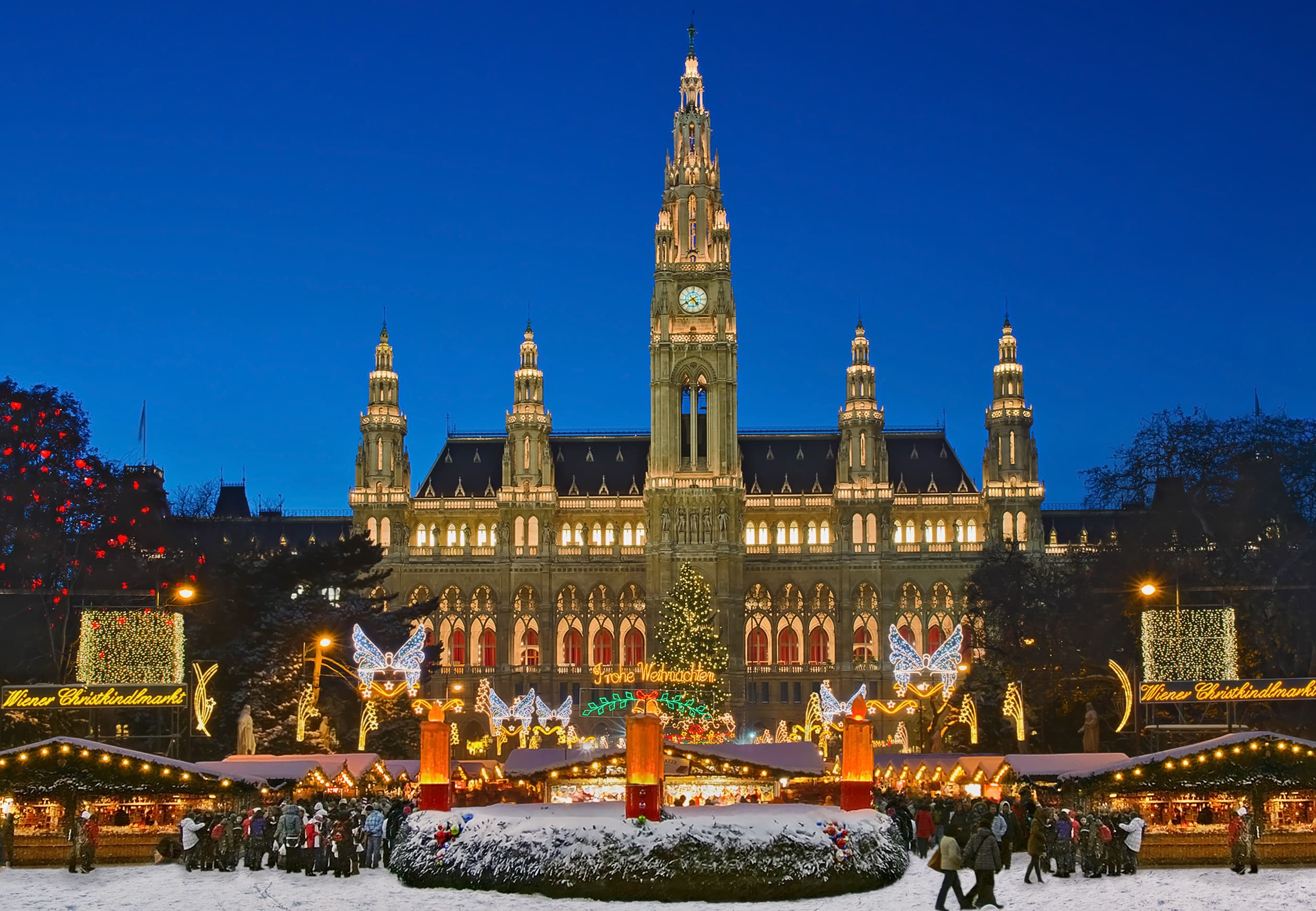 Best Cities in the World to Spend Christmas