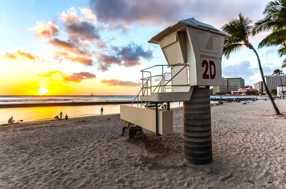 cw07_2_Honolulu Lifeguard Tower