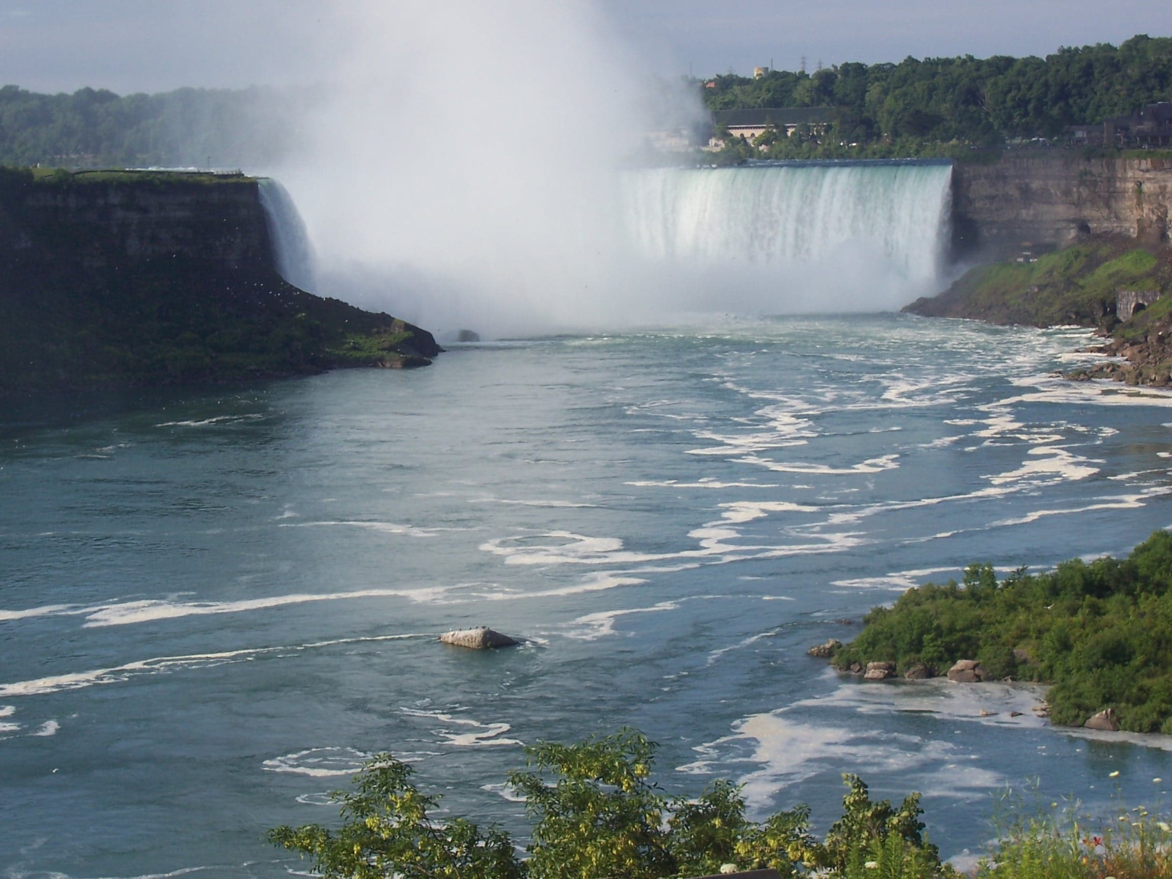A Niagara Falls Trip for Every Kind of Visitor