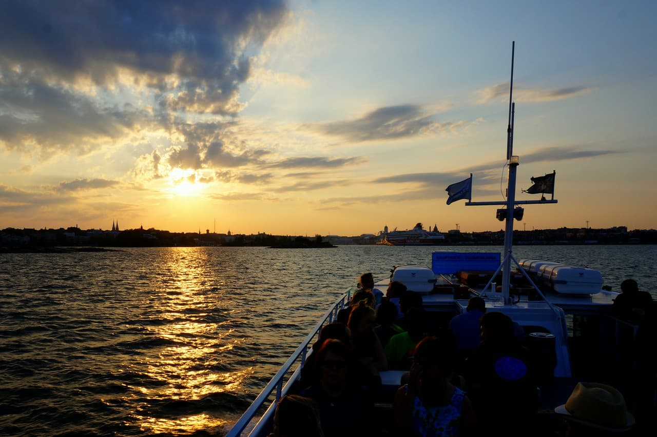 Cruise around the Helsinki Archipelago