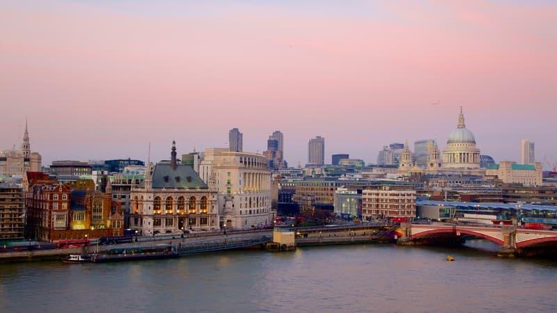 London for Foodies: 5 Unique Food Tour Ideas!
