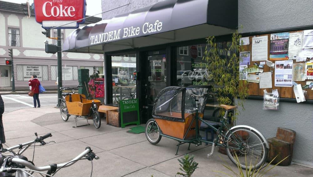 Travel_Expedia_Tandem_BikeCafe_resized