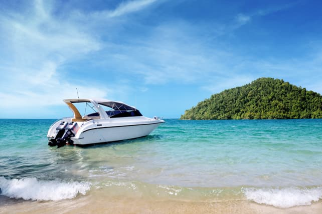 BS!-Expedia-Rent-Boat-Tropical