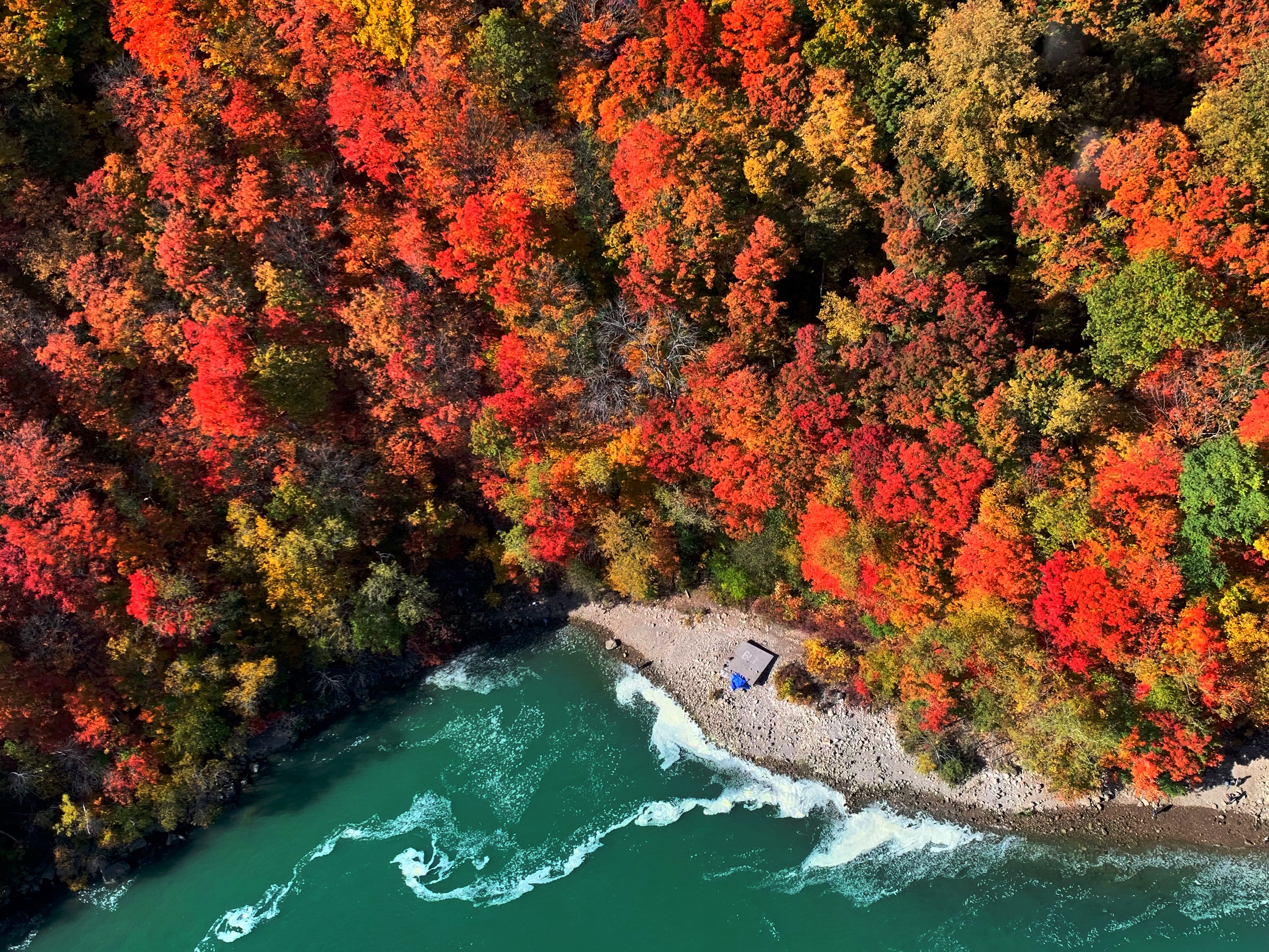 Unforgettable fall views with Niagara Helicopters