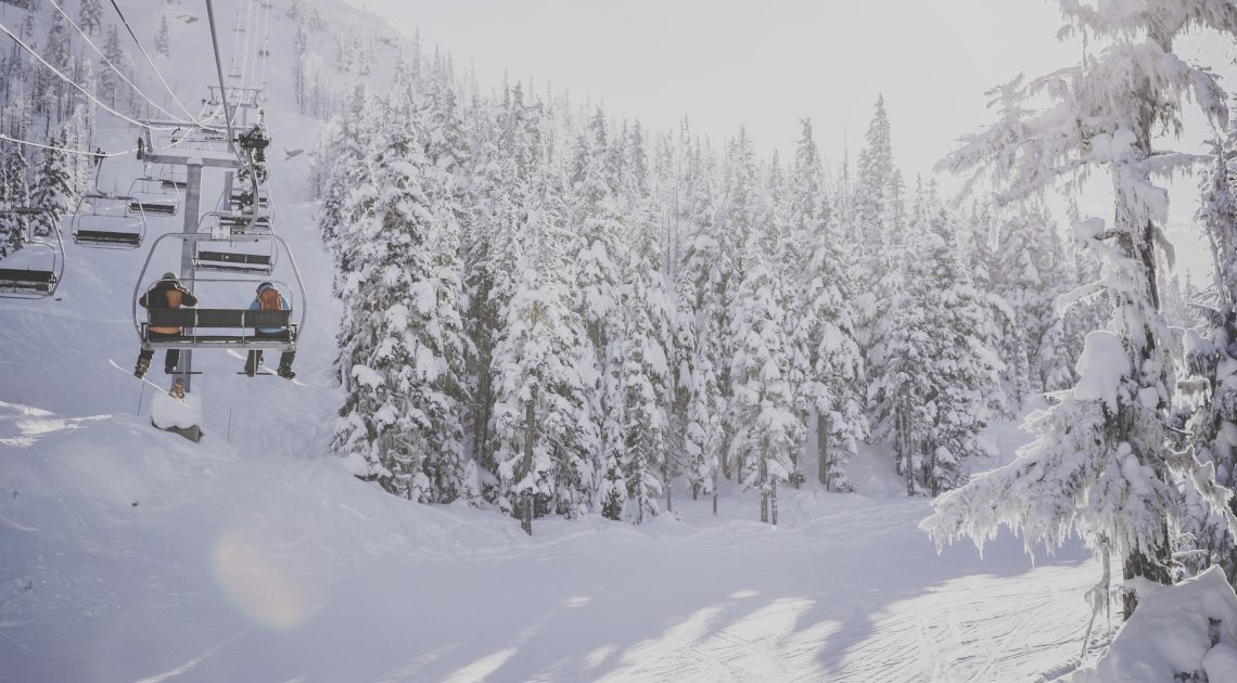 featured image skiing